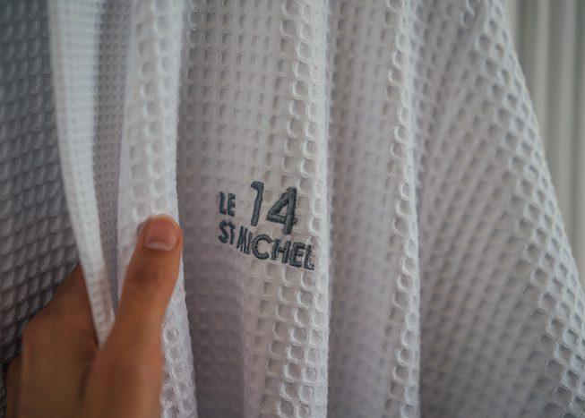 le 14 saint michel chambre confort plus peignoir